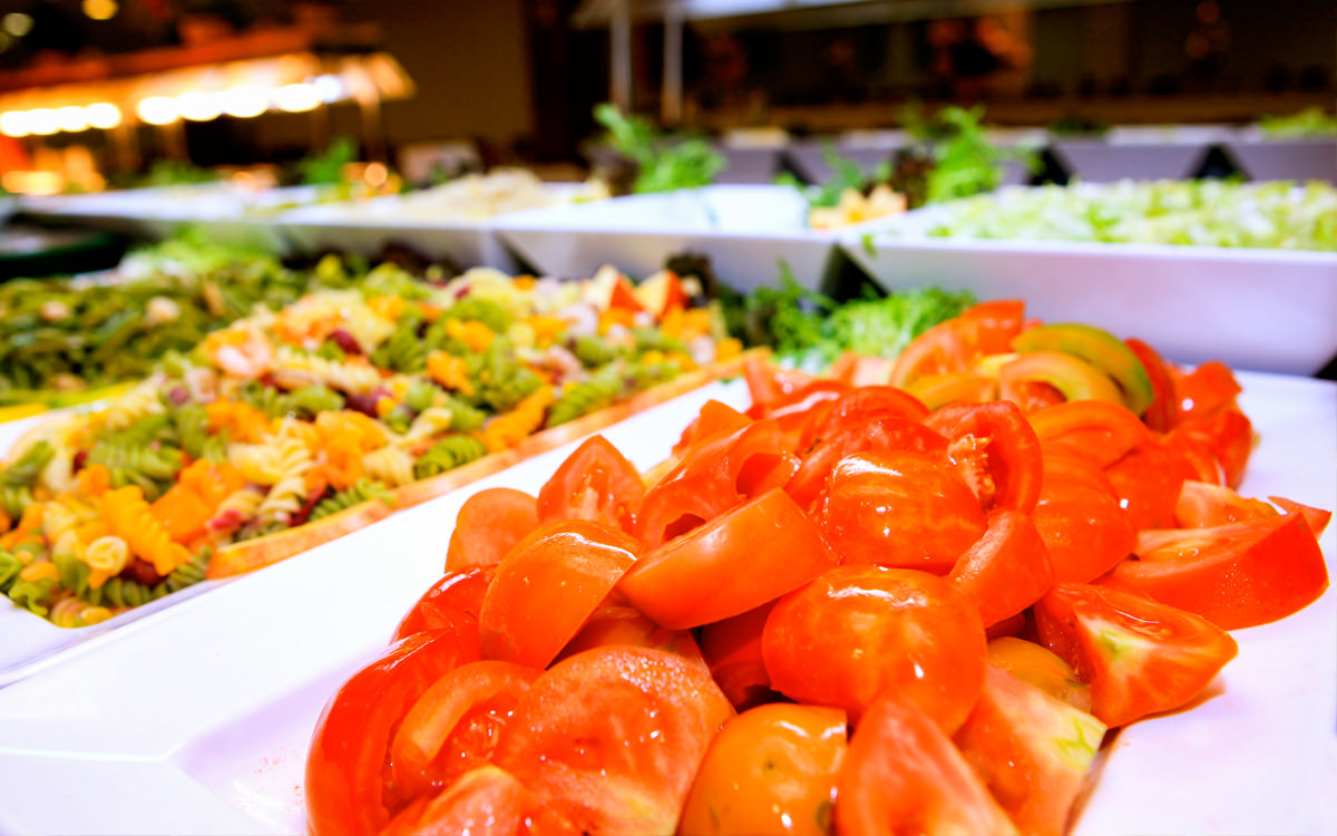 Hotel Palma Bay Club Resort - Mallorca - Salatbuffet Essen