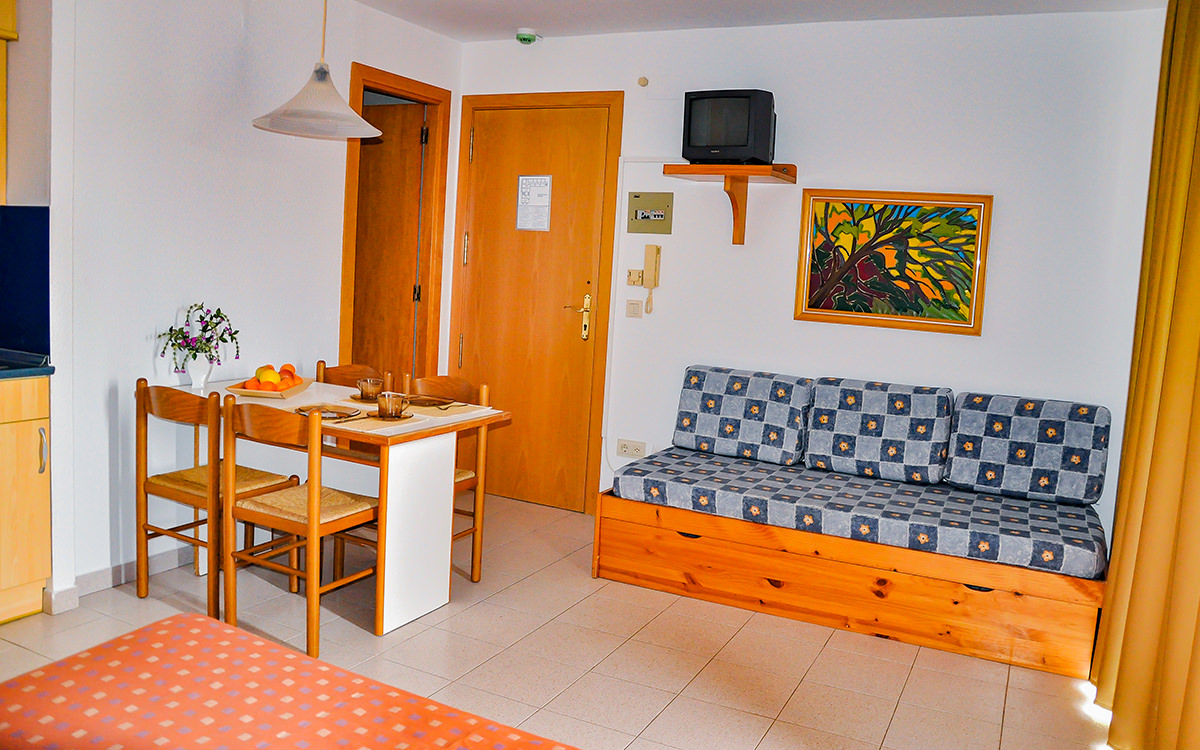 Apartment Safari - Calella - Esstisch